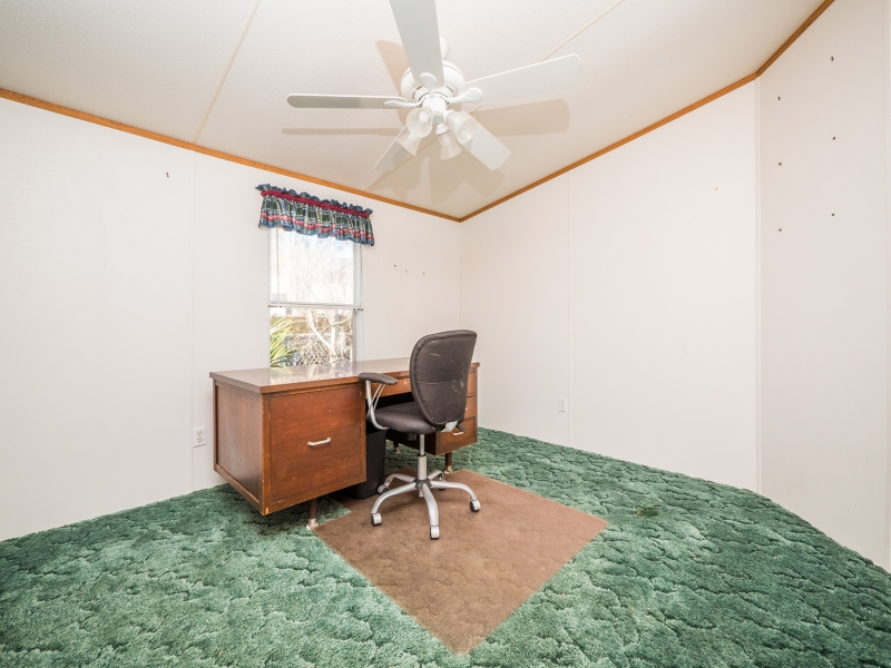 9515 NE 107th Court Salt Springs,FL 32134-Guest bedroom-2