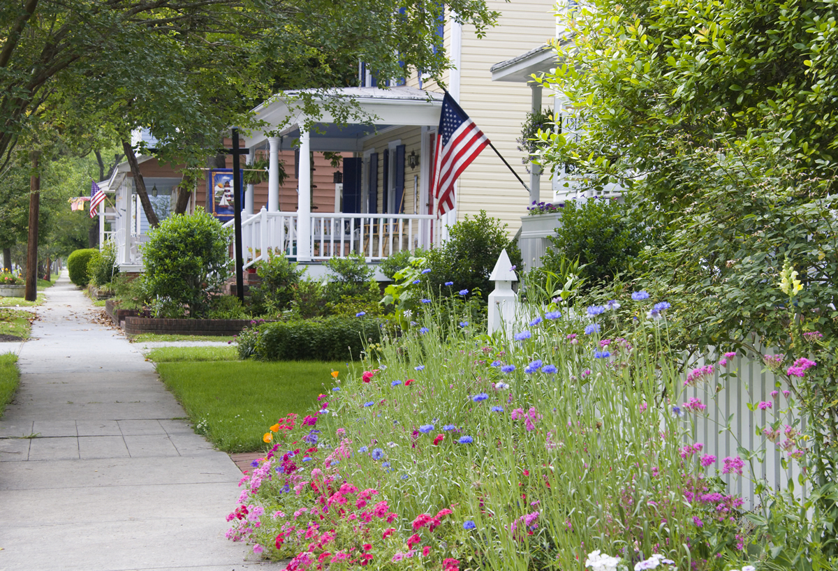 Ocala-FL-Sidewalk-Home-With-Flag2