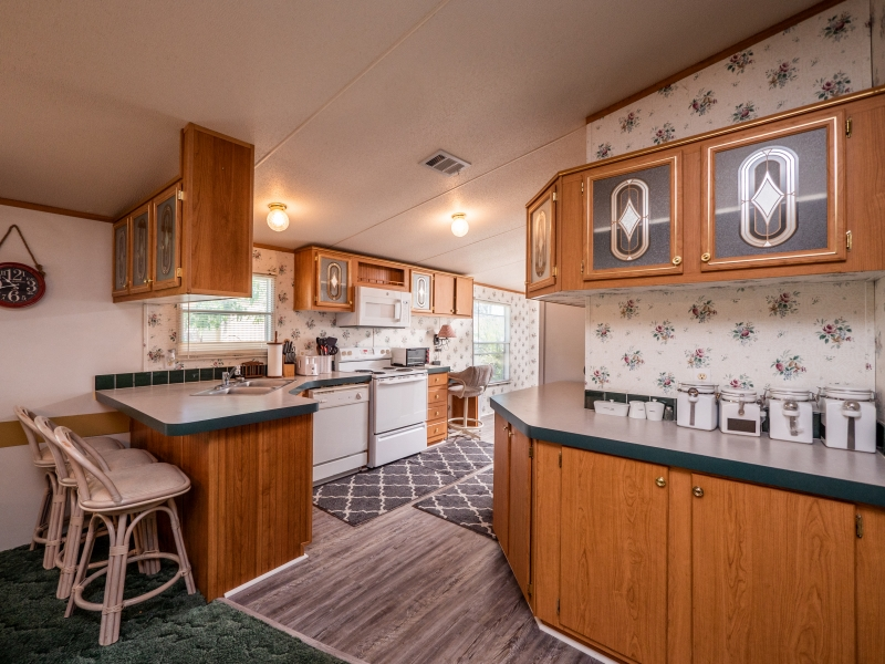 9515-NE-307-Court-Salt-Springs-Interior-Kitchen-1