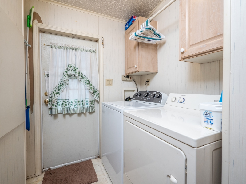 10542 NE 153 St, Fort McCoy- Interior- Laundry Room 2