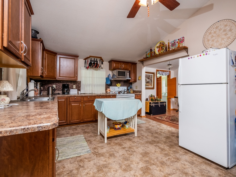 14748-NE-215-Lane-Fort-McCoy-FL-32134-Interior-Kitchen-1