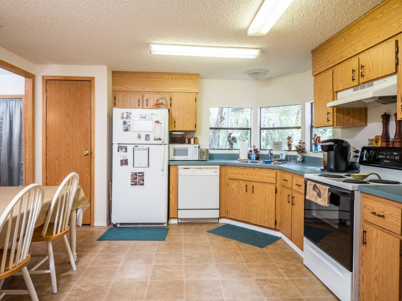 22511-NE-105th-Ave-Rd-Interior-Kitchen-1