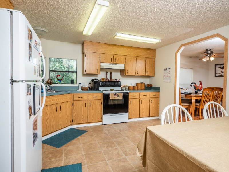 22511-NE-105th-Ave-Rd-Interior-Kitchen-2-