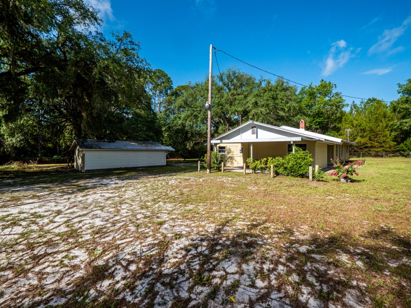 1328-S-County-Road-315-Interlachen-FL-32148-Exterior-12
