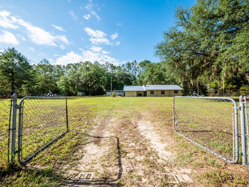 1328-S-County-Road-315-Interlachen-FL-32148-Exterior-3