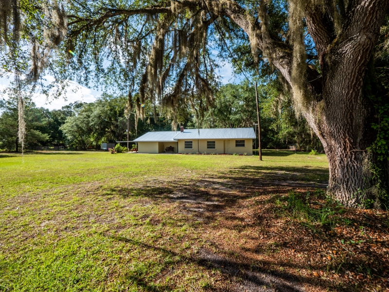 1328-S-County-Road-315-Interlachen-FL-32148-Exterior