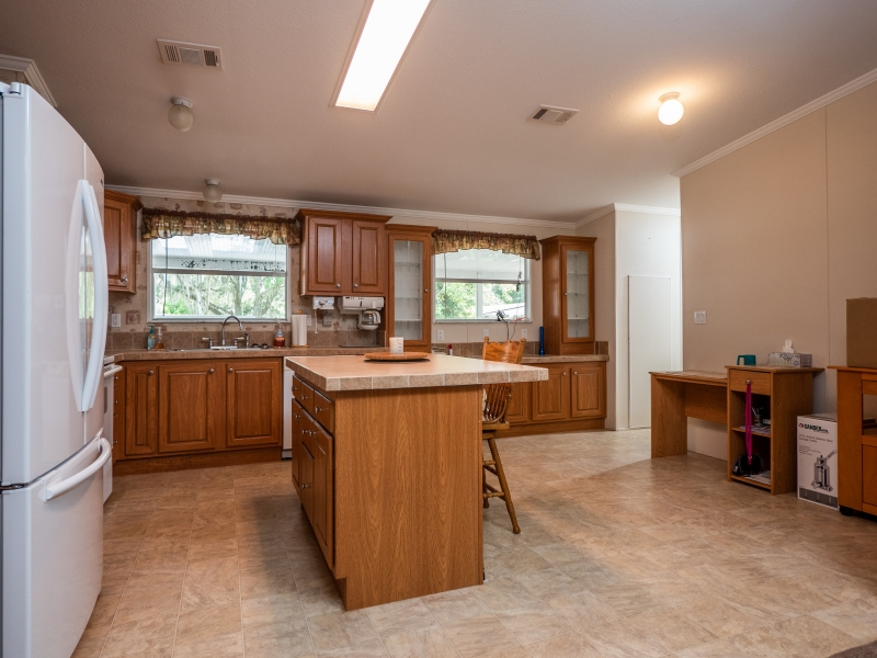 23561-NE-134th-Ln-Rd-Interior-Kitchen-3-