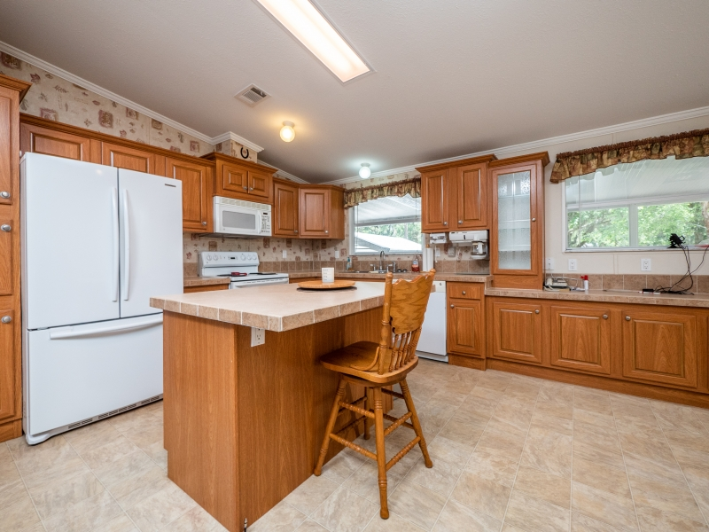 23561-NE-134th-Ln-Rd-Interior-Kitchen-5