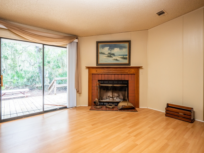 13711-NE-247th-Ct-Interior-Fire-Place