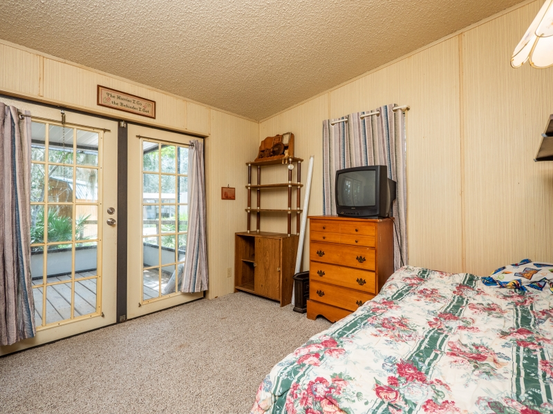 13711-NE-247th-Ct-Interior-Guest-Bedroom-
