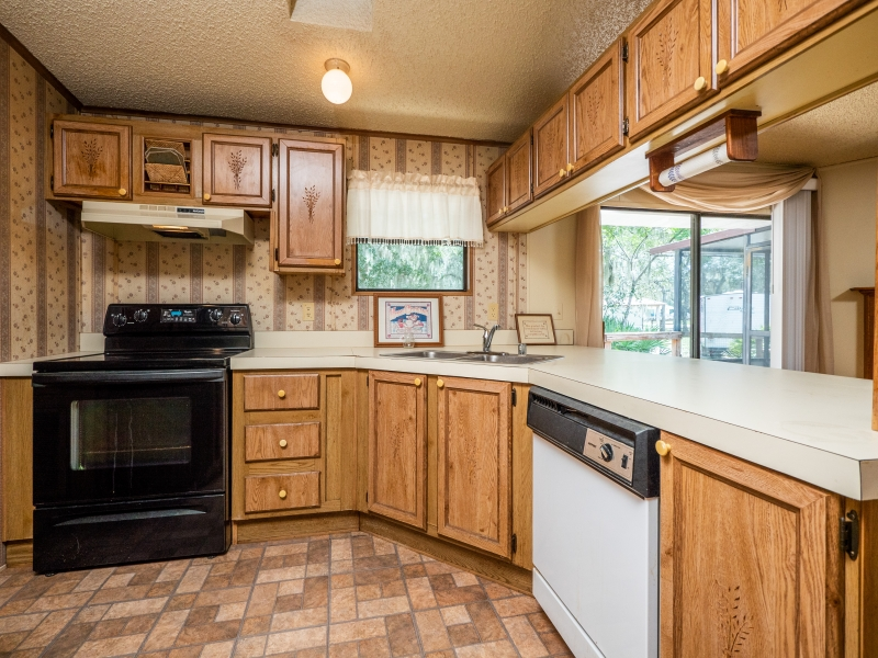 13711-NE-247th-Ct-Interior-Kitchen-2