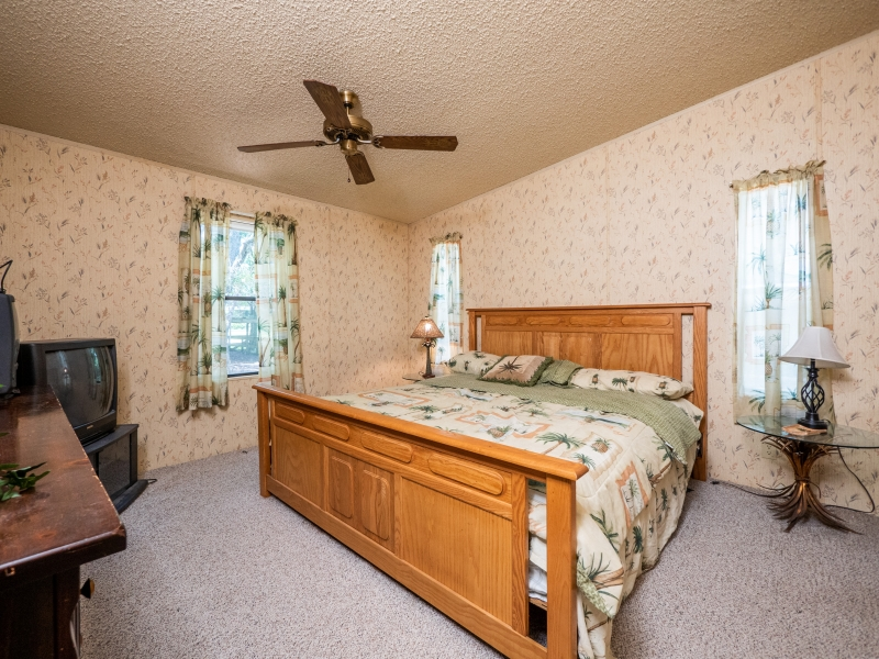 13711-NE-247th-Ct-Interior-Master-Bedroom-