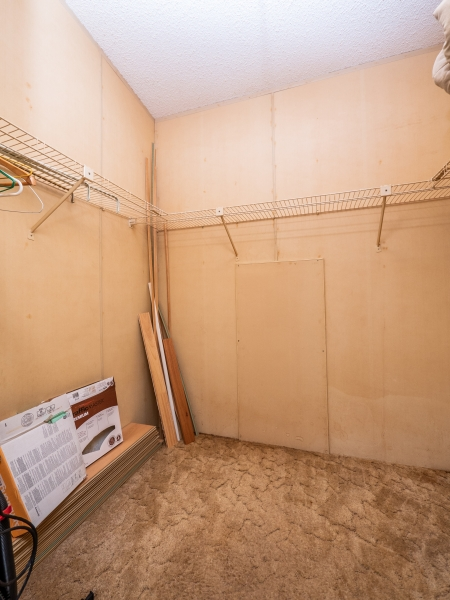 13711-NE-247th-Ct-Interior-Master-Closet