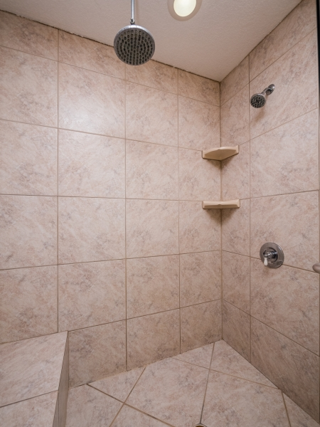 9425-NE-307th-Ct-Fort-McCoy-Interior-Guest-Bathroom-Shower-