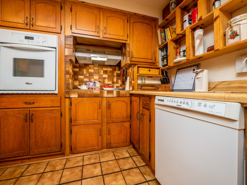7720 NE 199th St Rd, Citra-Interior-Kitchen 3