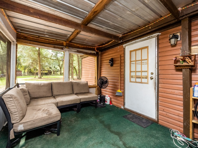 13424-NE-188-Place-Fort-McCoy-FL-32134-Interior-Back-Patio-1-