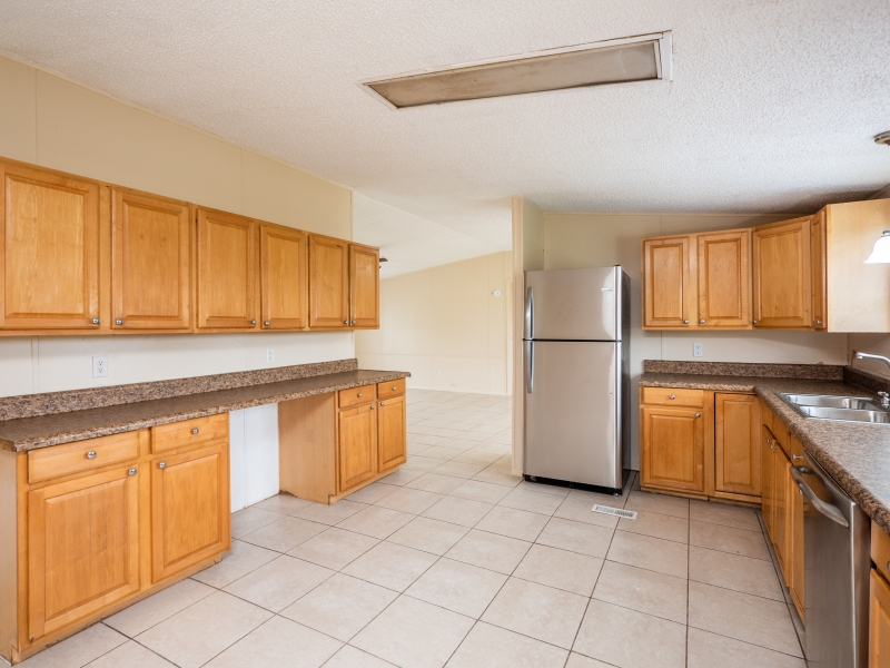 12135-NE-227th-Pl-Interior-Kitchen-2