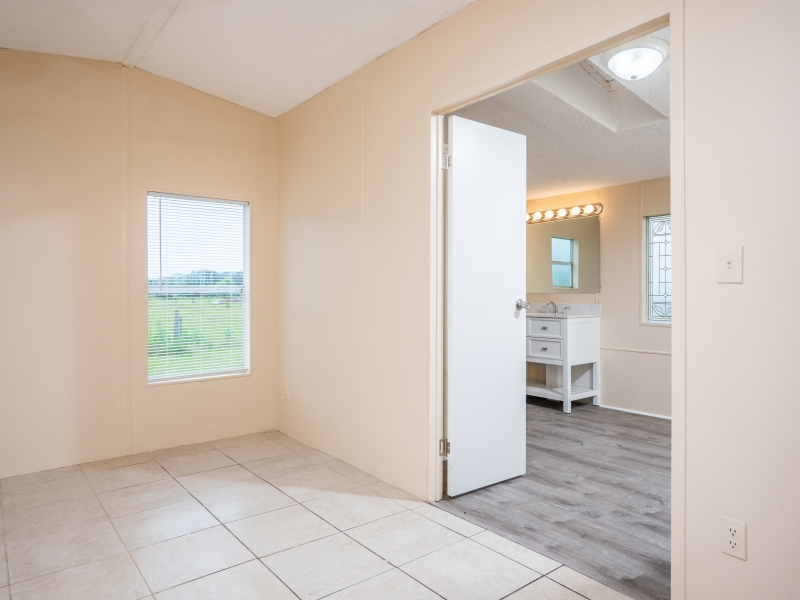 12135-NE-227th-Pl-Master-Bedroom-2