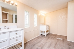 12135-NE-227th-Pl-Interior-Master-Bathroom-2