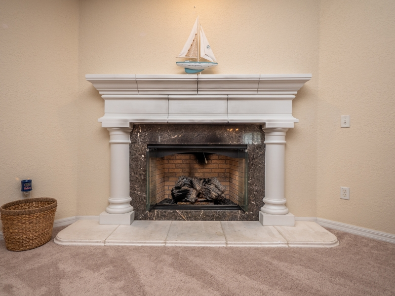 11464 SW 131 Terr Dunnellon- Interior Fireplace
