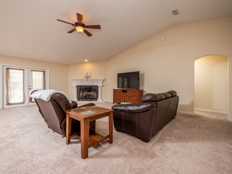 11464 SW 131 Terr Dunnellon- Interior Living Room 1
