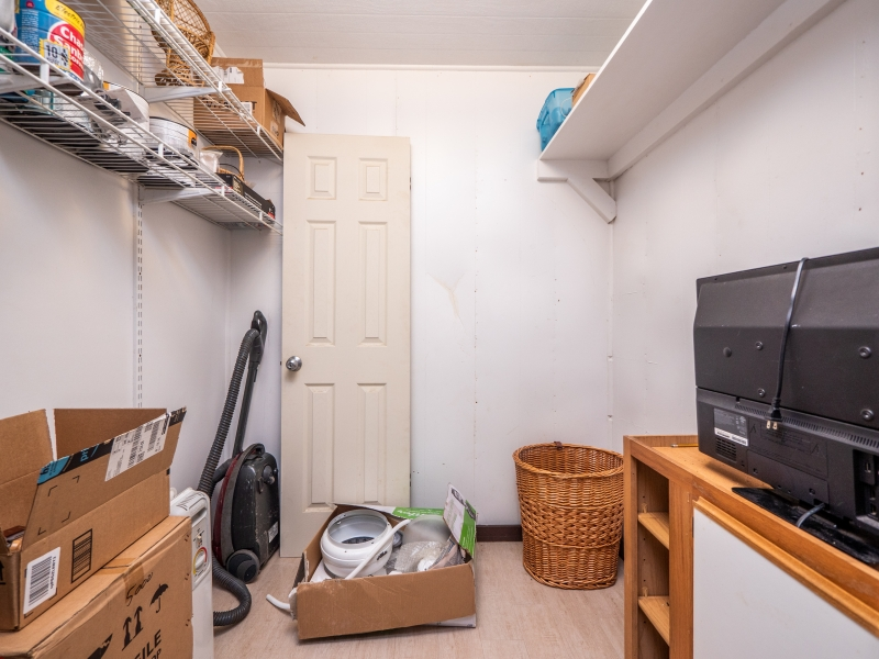 23400-NE-117-Court-Rd-Ft-McCoy-Interior-2nd-Floor-Closet-