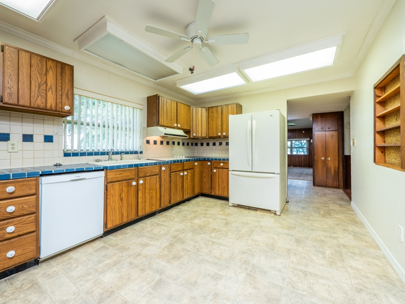 15030-NE-85th-Place-Silver-Springs-FL-Interior-Kitchen-1
