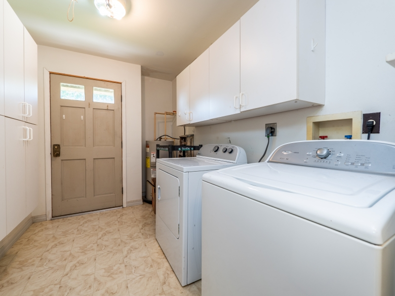 15030-NE-85th-Place-Silver-Springs-FL-Interior-Laundry-Room-