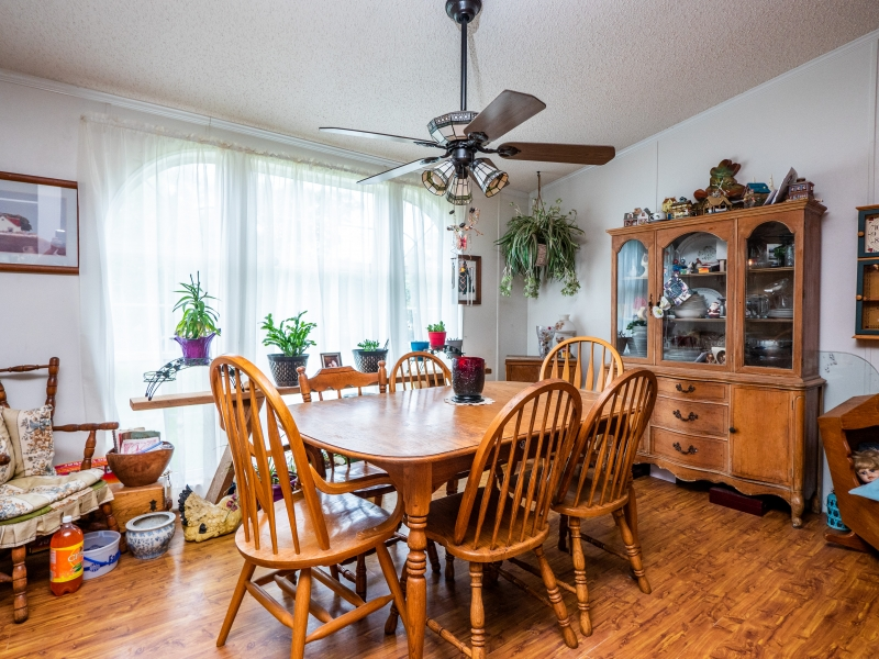 15670-NE-236th-St-Interior-Dinning-Room