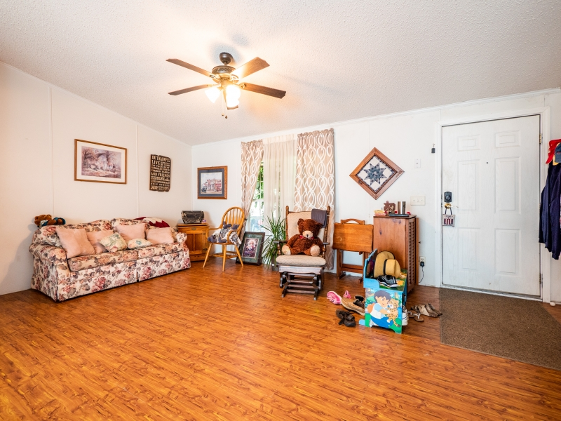 15670-NE-236th-St-Interior-Family-Room-2