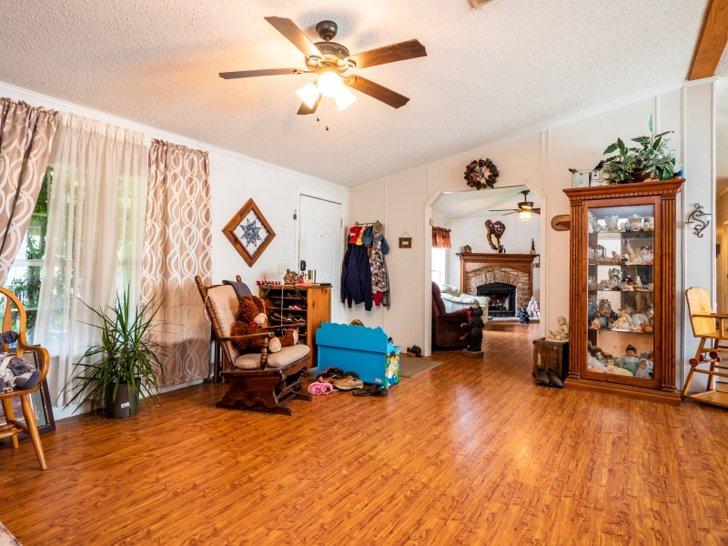 15670-NE-236th-St-Interior-Fmaily-Room