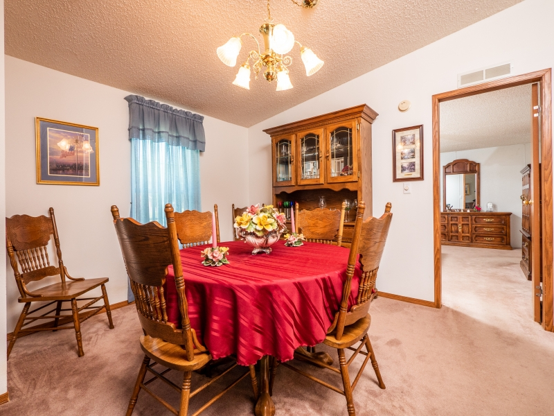 101-Ross-Road-Satsuma-FL-Interior-Dinning-room-