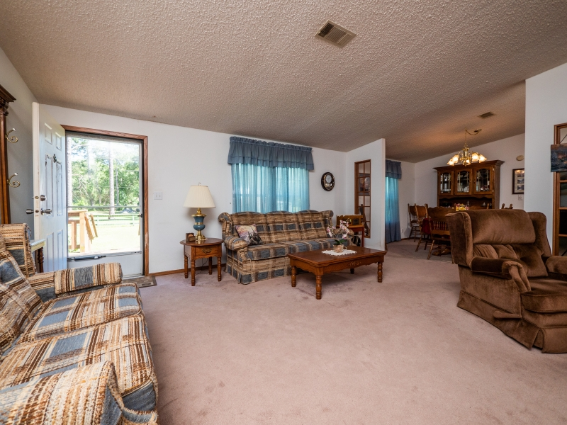 101-Ross-Road-Satsuma-FL-Interior-Living-Room-1