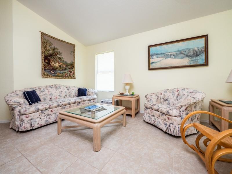 15126-NE-35-Ave-Rd-Interior-Living-Room-3