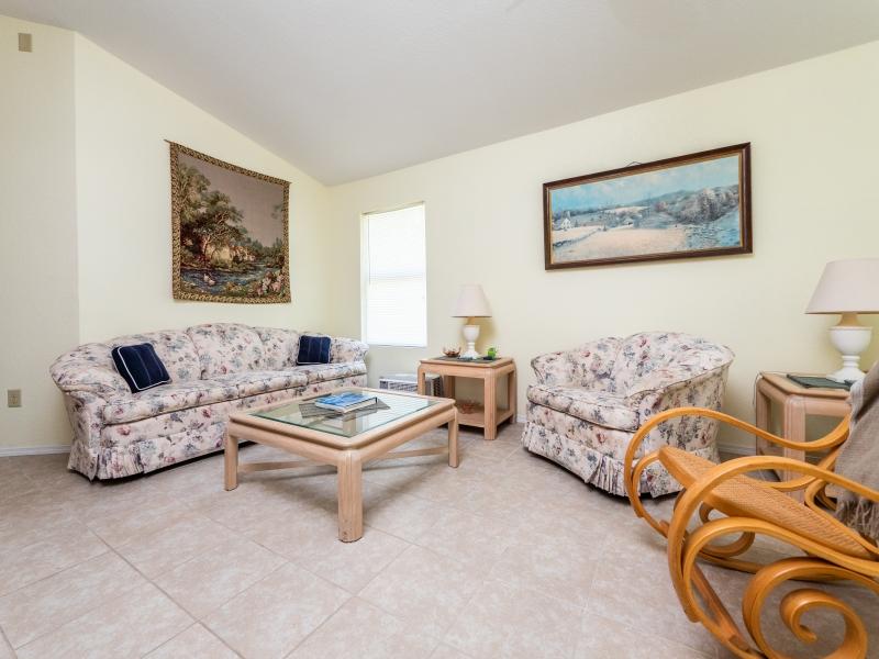15126-NE-35-Ave-Rd-Interior-Living-Room-4