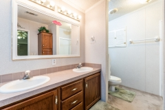 19651-SE-92nd-PL-Interior-Master-Bathroom-2