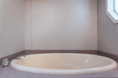 19651-SE-92nd-PL-Interior-Master-Bathroom-Bath-Tub-