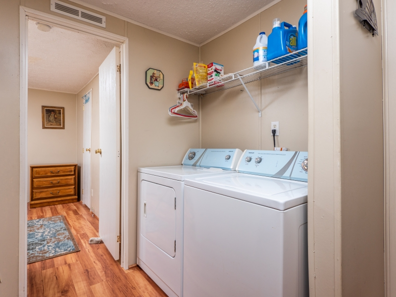 17076-NE-141-CT-Ft-McCoy-32134-Interior-Laundry-Area