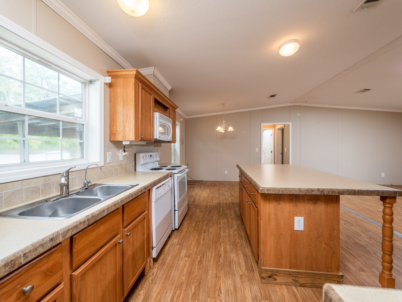 13240-NE-247-Court-Salt-Springs-Interior-Kitchen-4
