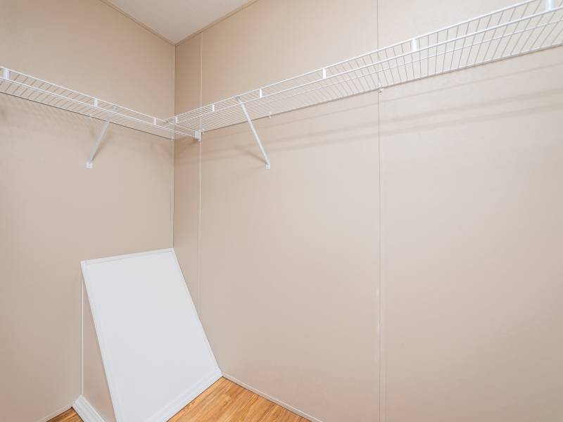 13240-NE-247-Court-Salt-Springs-Interior-Master-Closet