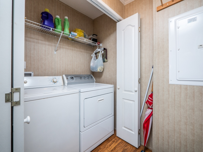 24955-NE-130th-Place-Interior-Laundry-Room-