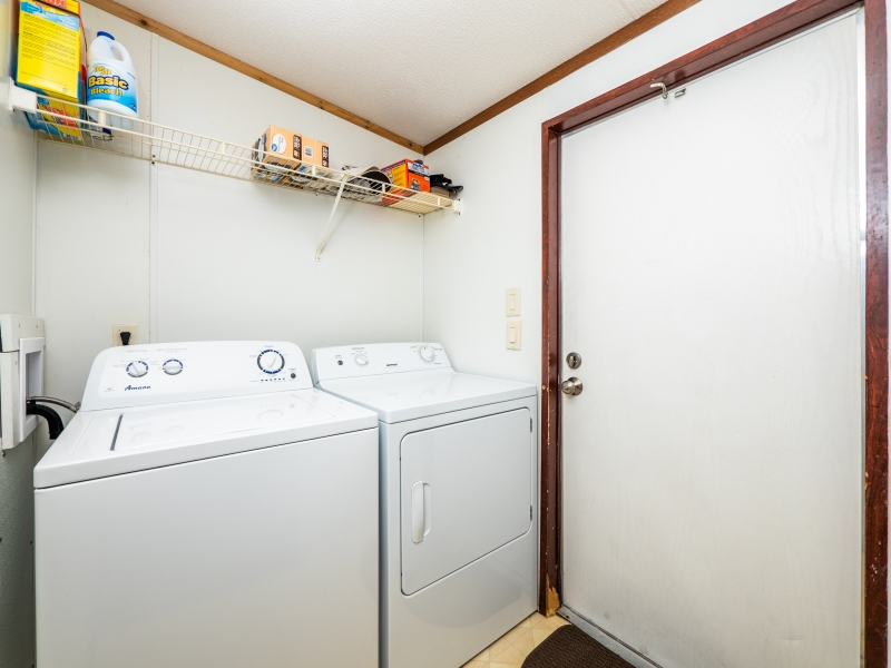 21325-NE-130th-Ave-Fort-McCoy-FL-32134-Interior-Laundry-Room-