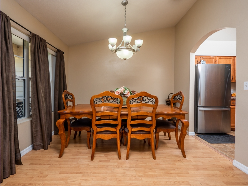 7101-NE-192nd-Place-Interior-Dining-room-
