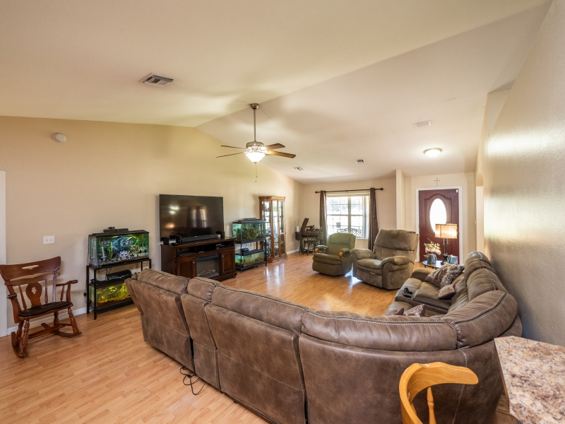 7101-NE-192nd-Place-Interior-Living-room-2