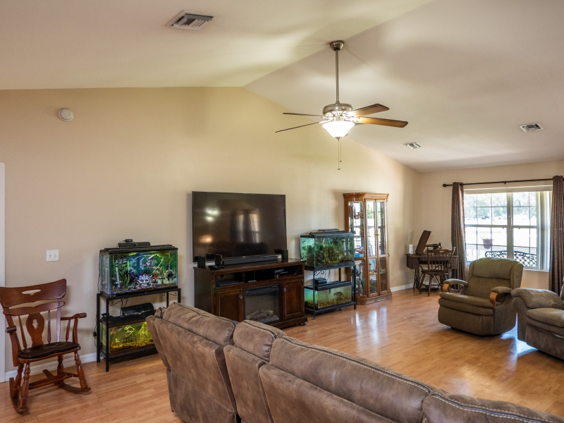 7101-NE-192nd-Place-Interior-Living-room-3