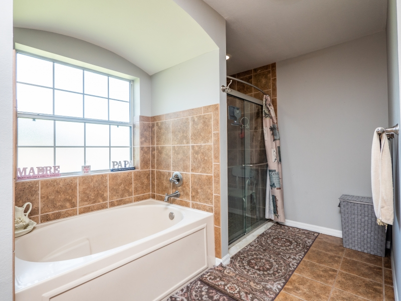 7101-NE-192nd-Place-Interior-Master-bathroom-2